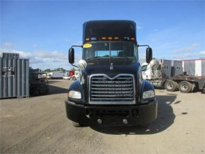 2015 MACK PINNACLE CXU613 5121296311