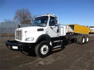 2011 FREIGHTLINER BUSINESS CLASS M2 106 5248433351