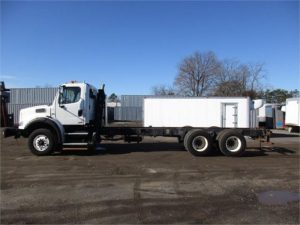 2011 FREIGHTLINER BUSINESS CLASS M2 106 5248433353