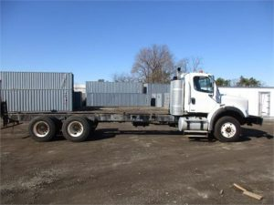 2011 FREIGHTLINER BUSINESS CLASS M2 106 5248433371