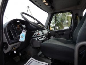2011 FREIGHTLINER BUSINESS CLASS M2 106 5103011109