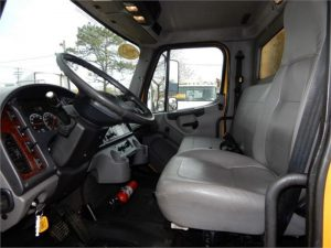 2013 FREIGHTLINER BUSINESS CLASS M2 106 6036993945