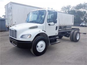 2010 FREIGHTLINER BUSINESS CLASS M2 106 6176300589